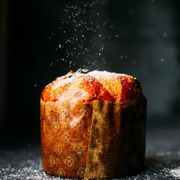 panettone christmass cake Photo by Alexandre Godreau on Unsplash
